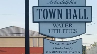 Photo of Arkadelphia Board reads routine ordinances