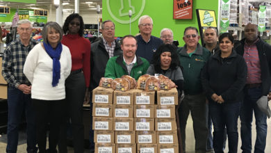 Photo of Super 1 Donates Hams to Lions and Hope in Action